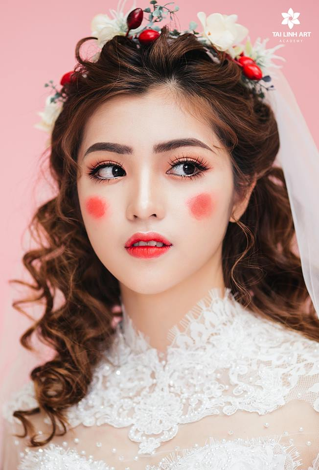 make up đẹp bmt , trang điểm cô dâu bmt , trang điểm đẹp nhất bmt , học trang điểm daklak , học amke up tại ban mê thuột